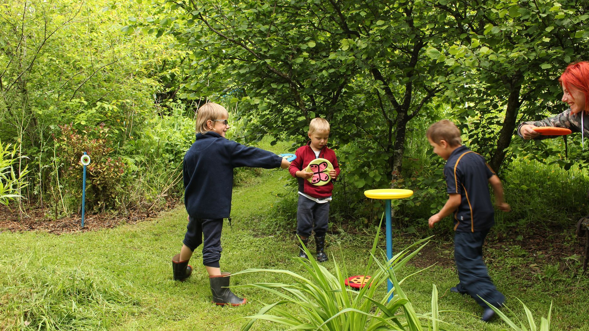 play a round of Mini Frisbee golf